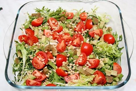 Салат с помидорами черри фото