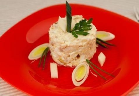 Рецепт - Салат с треской и яйцом