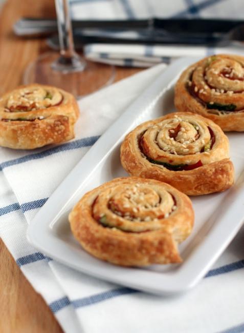 Рецепт - Слоеные булочки с ветчиной