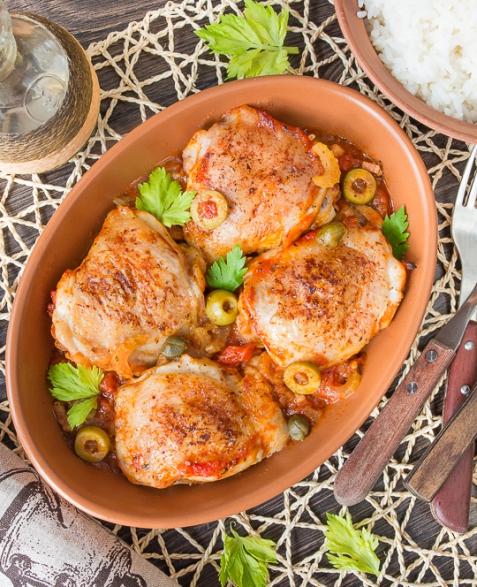 Курица, запеченная в средиземноморском соусе