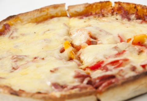 Рецепт - Пицца с колбасой и болгарским перцем