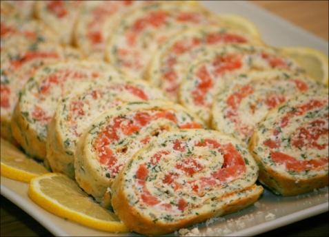 Рецепт - Рулет с зеленью и красной рыбой
