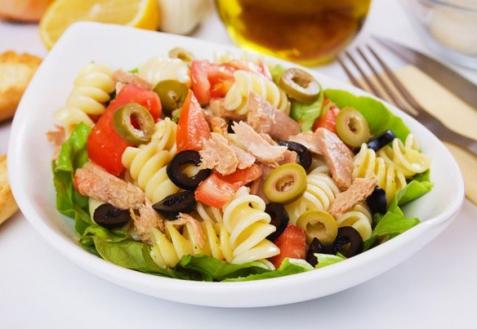 Паста-салат с тунцом (видео)