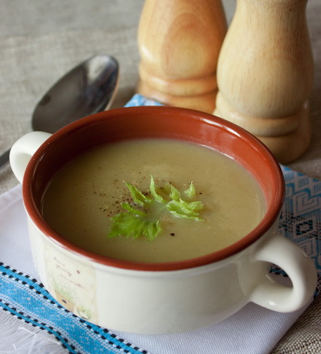 Крем-суп из стеблевого сельдерея с картофелем