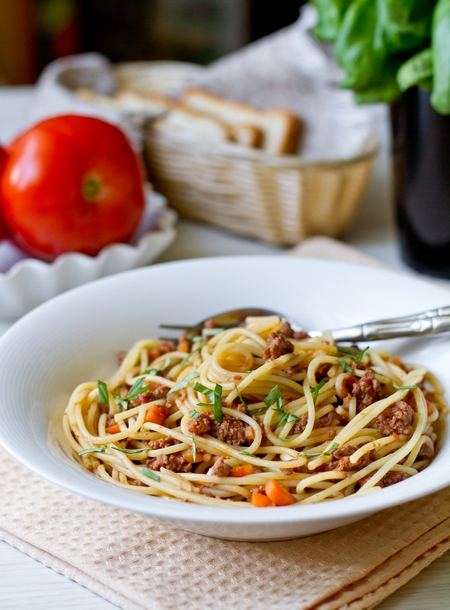 Спагетти с классическим соусом
