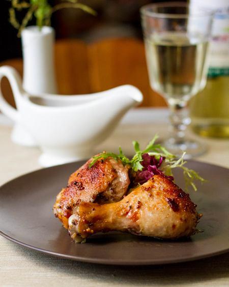 Курица в пикантном маринаде, запеченная в фольге