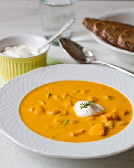 Морковный суп с лососем
