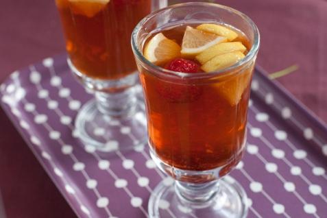 Рецепт - Имбирный чай с клубникой