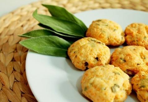 Печенье с сыром и шалфеем