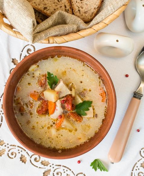Суп из курицы с вялеными томатами