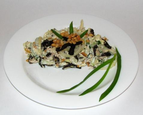 Салат из капусты с курицей и черносливом - рецепт