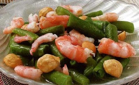 Салат из креветок с фасолью - рецепт