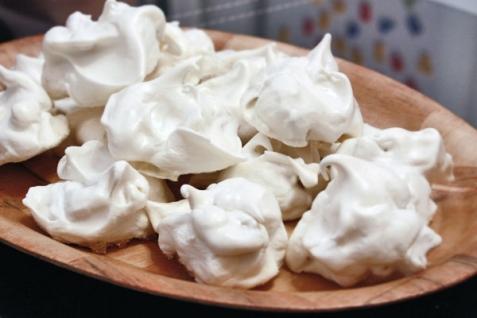 Рецепт - Безе (меренги) с орехами
