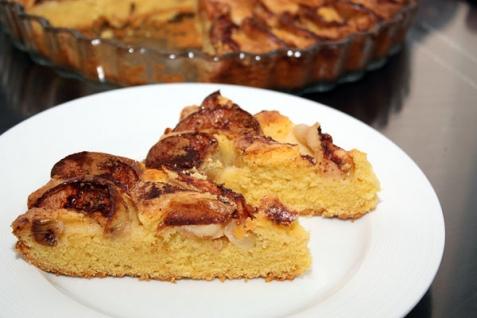 Кукурузный пирог с яблоками