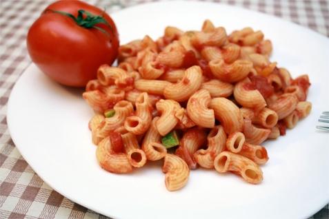 Постная паста в томатном соусе