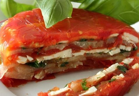 Красное заливное из овощей и сыра