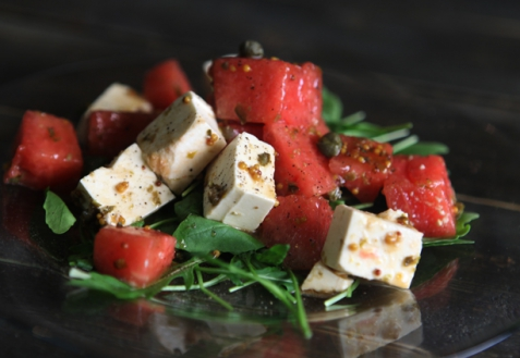 Салат с арбузом и фетой (видео)
