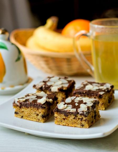 Тыквенно-миндальный пирог с шоколадом