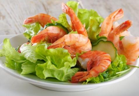Постные блюда: Салат с креветками и огурцами