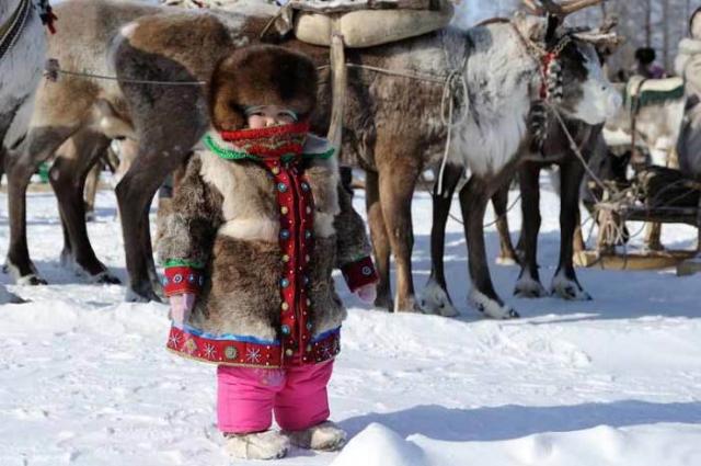Национальная шубка и современные зимние штаны/Фото:https://республика-саха-якутия.рф