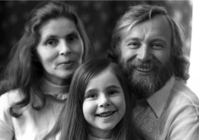 Иннокентий Смоктуновский с женой и дочерью   Фото: legendy-kino.ru