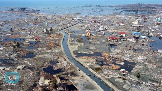 2004 год, землетрясение Индийского океана и цунами вода, интересное, познавательное