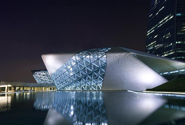 Здание оперного театра в Гуанчжоу