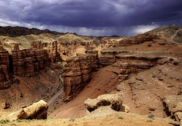 Полюбуйся: Чарынский каньон! Не хуже хваленого американского и гораздо ближе