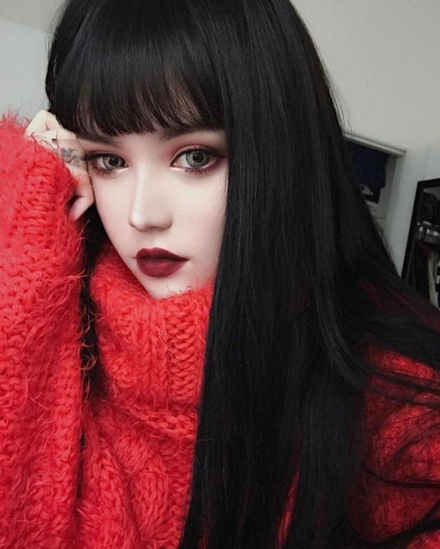 Фото: Современная красота: очаровательная китаянка, которую можно перепутать с куклой (Фото)