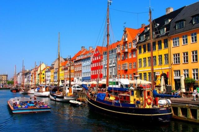 Нихавн - самое популярное место в Копенгагене.