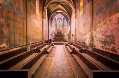 Заброшенные здания Франции в мистическом фотопроекте. Фото