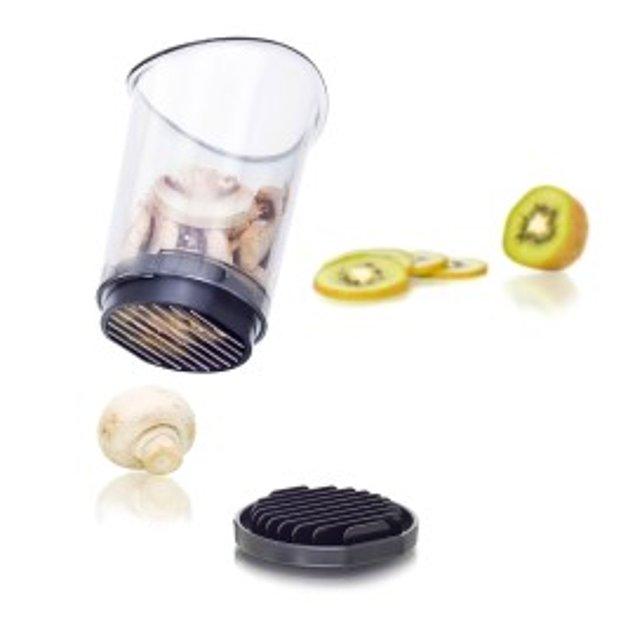Это устройство при простом нажатии на фрукт или овощ с легкостью порежет его на кусочки