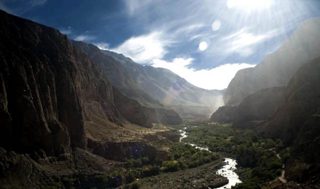 Каньон Котахуаси Перу. Вниз не смотреть. Самые глубокие каньоны планеты. Фото с сайта NewPix.ru