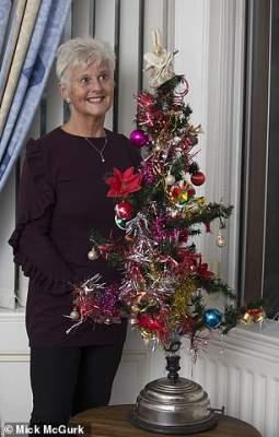Британская семья сто лет наряжает одну и ту же елку. Фото