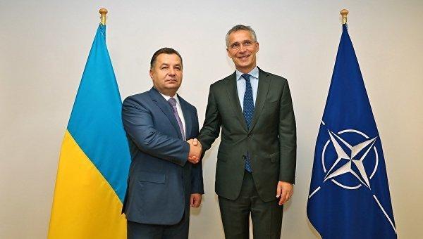 Міністр оборони України Степан Полторак і генсек НАТО Йенс Столтенберг