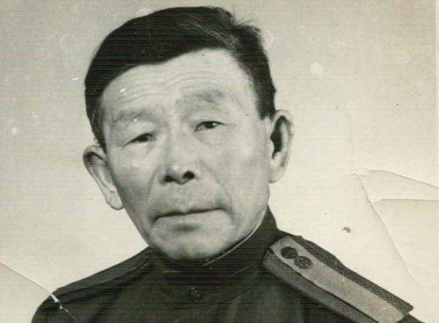 Почетный солдат Забайкальского военного округа С. Д. Номоконов   Фото: edikst.ru