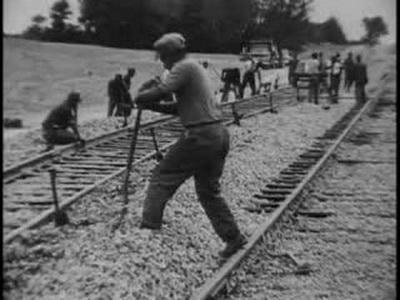 """""""Ганди"""" это было название фирмы, производящей инстурменты, а """"танцорами"""" их прозвали из-за характерных движений, которые рабочие выполняли забивая костыли в шпалы."""