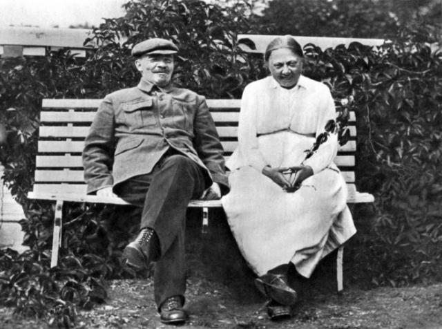 Надежда Крупская и Владимир Ленин. / Фото: www.sensum.club