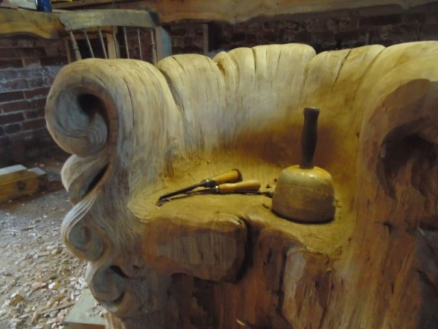 Уникальное резное кресло от Алекса Джонсона (11 фото)