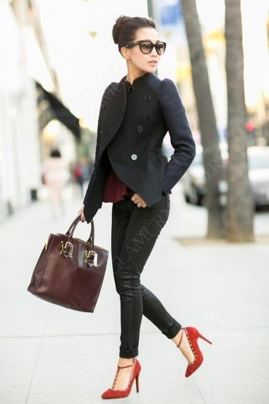 пример с чем не стоит сочетать красные туфли