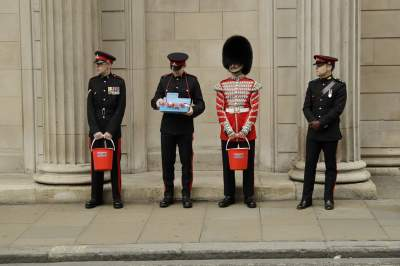 Повседневная жизнь британцев в красноречивых снимках. Фото