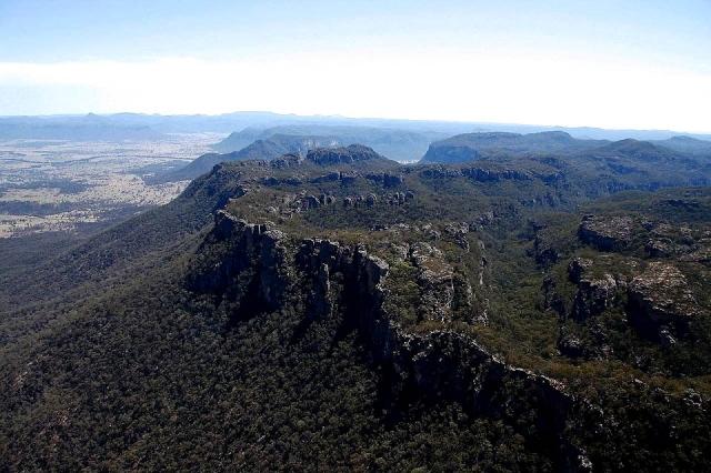 Долина Каперти Австралия. Вниз не смотреть. Самые глубокие каньоны планеты. Фото с сайта NewPix.ru