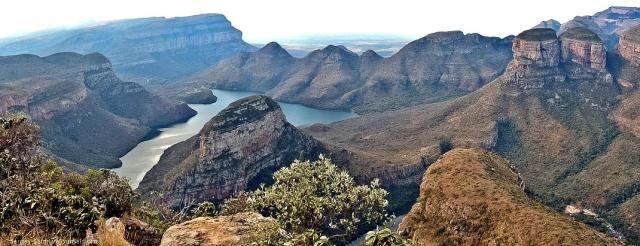 Каньон реки Блайд Южная Африка. Вниз не смотреть. Самые глубокие каньоны планеты. Фото с сайта NewPix.ru