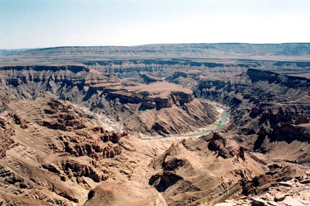 Каньон Рыбной реки Намибия. Вниз не смотреть. Самые глубокие каньоны планеты. Фото с сайта NewPix.ru