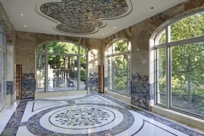 Так выглядит дом миллиардера, сбежавшего из СССР. Фото