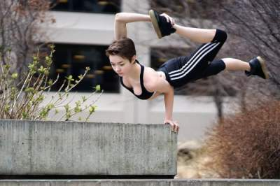 19-летняя девушка покорила мир необычной гибкостью. Фото