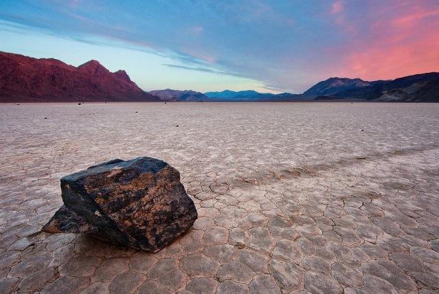 Камни умеют ходить? Камни тоже путешествуют. Причем самостоятельно. Долина движущихся камней ... - 4