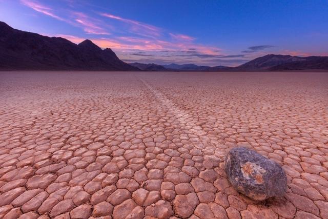 Камни умеют ходить? Камни тоже путешествуют. Причем самостоятельно. Долина движущихся камней ... - 3