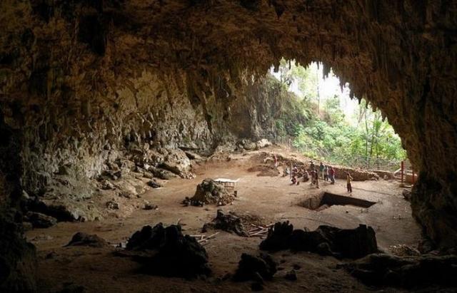 Пещера «хоббитов».