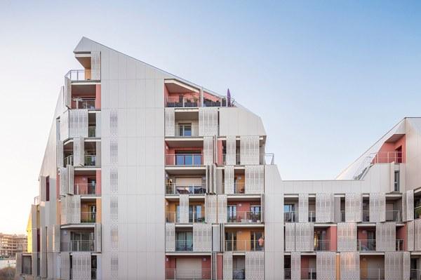 Усечённые дома в проекте французского жилого комплекса (12 фото)